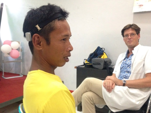 Cochlear-donates-hearing-aids-Indonesia
