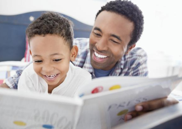 parent-reading-to-toddler